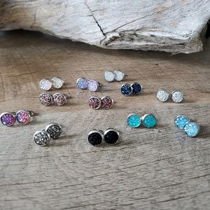 Druzy stud earrings - silver stainless steel